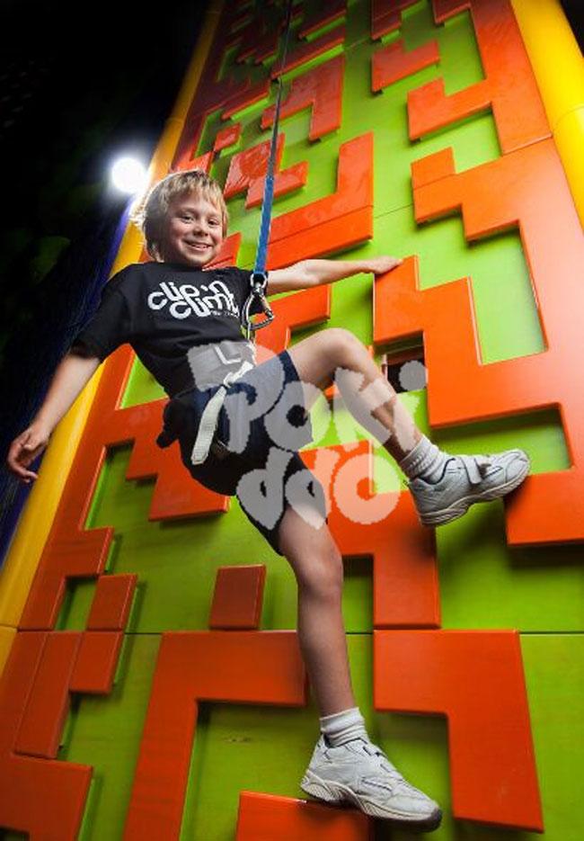 【口袋屋游乐】室内儿童攀岩墙对孩子有哪些好处呢?