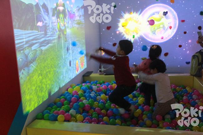 【口袋屋游乐】儿童乐园装互动投影设备砸球游戏怎么样,好玩吗?